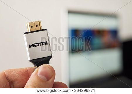 Hdmi Line Connecting The Audio And Video System Of Notebook To Projectoror Tv. 4k High-speed Signal