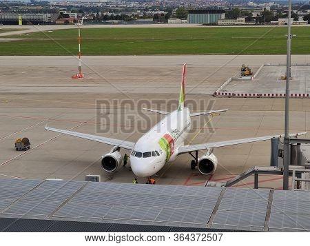Airport Stuttgart - Airbus A320