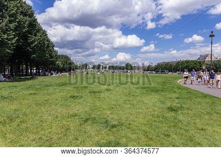 Paris, France - June 25, 2016: Beautiful Green Park Bitween Les Invalides And Alexandre Iii Bridge.