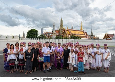 Bangkok, Thailand - August 25, 2017 : Unidentified Thai Mourners Wearing Black Color Waiting In The