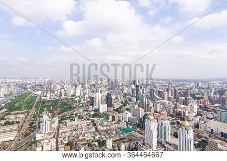 Bangkok, Thailand - August 28, 2016 : Cityscape And Transportation With Expressway And Traffic In Da