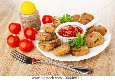 Tomato Cherry, Pepper Shaker, Ketchup In Sauceboat With Handle, Small Chicken Cutlets, Basil In Whit
