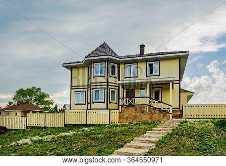 Sverdlovsk Region, Russia - June 15, 2017: Beautiful Residential Building In The Village Of Aramashe