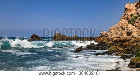 An Amazing View Of The Pacific Ocean From Mayto Beach In Jalisco, Mexico. Waves Crashing On Natural