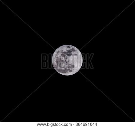 Close Up Dark Night Sky With Full Moon And Cloud.romantic Moonlight Of Full Moon Over Cloudy Cloud A