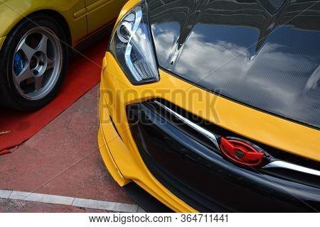 Manila, Ph - November 10 - Hyundai Genesis Coupe Emblem At Transknight Transport Show On November 10