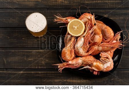 Delicious Large Shrimp With Lemon, Tiger And Botan. Top View, You Can Make A Background For A Cookbo