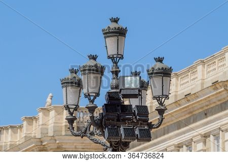 19th Century Streetlight Dee In Front Of The Almudena Cathedral. June 15, 2019. Madrid. Spain. Trave