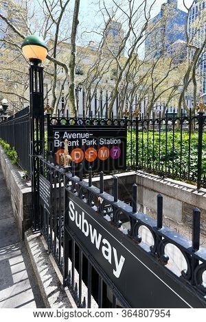 5 Avenue - Bryant Park Station