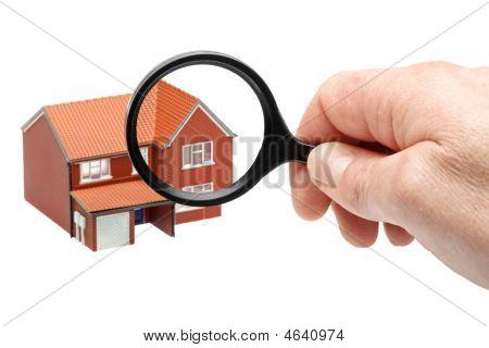 Examinando uma casa