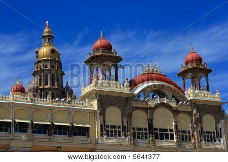 schöne Denkmal von Mysore Palast ich