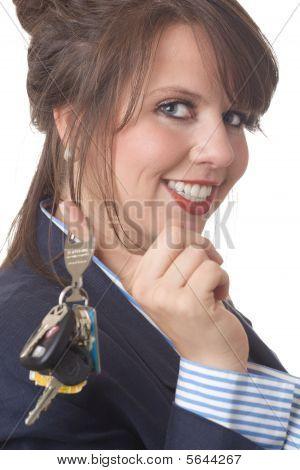 Woman_keys