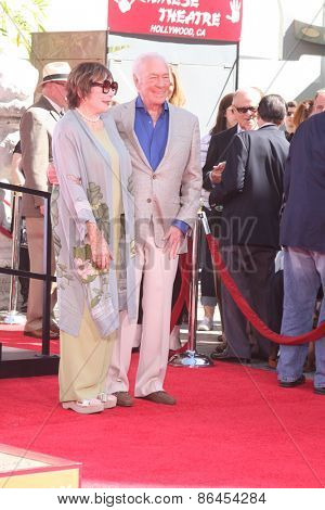 LOS ANGELES - MAR 27:  Shirley MacLaine, Christopher Plummer at the Christopher Plummer Hand and Foot Print Ceremony at the TCL Chinese Theater on March 27, 2015 in Los Angeles, CA