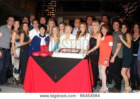 LOS ANGELES - MAR 26:  Young n Restless Cast at the Young & Restless 42nd Anniversary Celebration at the CBS Television City on March 26, 2015 in Los Angeles, CA