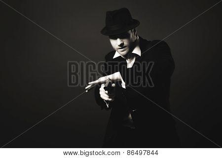 Midnight gangster in vintage look. Midnight killer poster