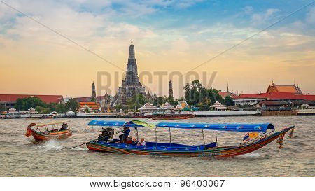 Wat Arun - Temple of Dawn in Bangkok