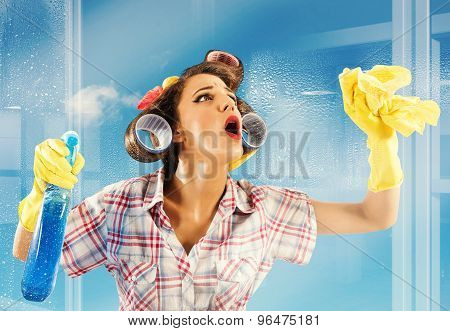 Housewife clean glass