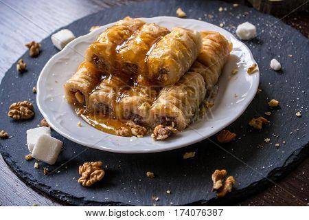 Rolled Baklava Turkish Delight Sweets Hazelnut Dessert Dripping Sugar