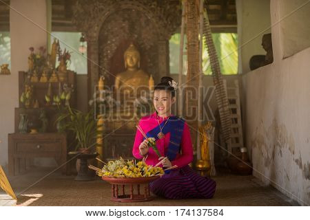 Portrait Of Beautiful Thai Women In Lanna Traditional Costume,  Handmade Umbrella Making Vintage Sty