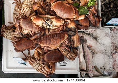 Live Crab, Fresh Crab And Fish On The Market Stall