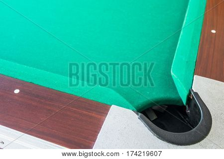 Corrner of table snooker hole