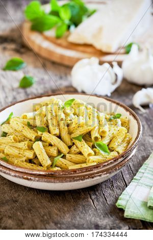 Rigatoni With Fresh Pesto