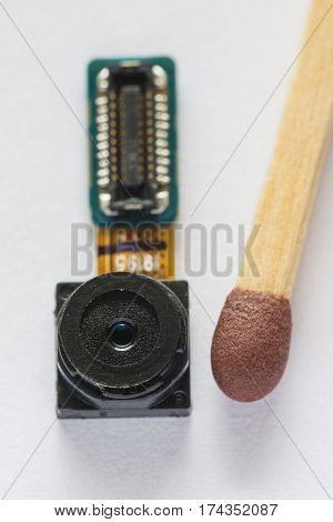 Smartphone camera and its electronic circuits comparison with match