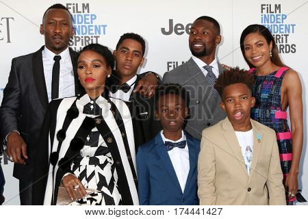 LOS ANGELES - FEB 25:  Moonlight Cast at the 32nd Annual Film Independent Spirit Awards at Beach on February 25, 2017 in Santa Monica, CA