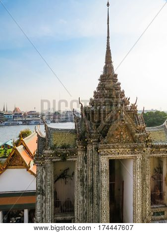 Ancient buddist Wat Arun Temple or Temple of Dawn. Bangkok, Thailand