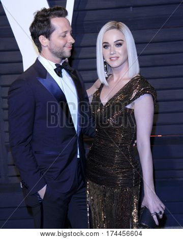 LOS ANGELES - FEB 26:  Derek Blasberg, Katy Perry at the 2017 Vanity Fair Oscar Party  at the Wallis Annenberg Center on February 26, 2017 in Beverly Hills, CA