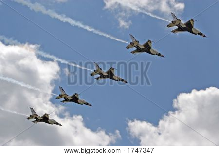 Airforce Thunderbirds In A Straight Line Pass