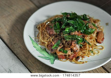 Fusion Food, Chili Chinese Noodle And Bacon Mixs Hot Basil