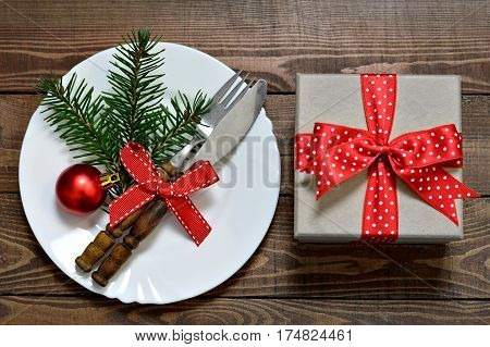 Christmas gift an empty plate and silverware
