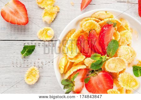 Yogurt With Cornflakes And Strawberries