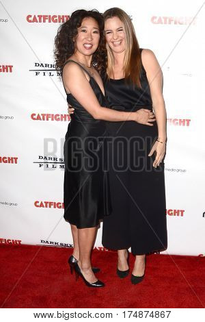 LOS ANGELES - MAR 2:  Sandra Oh, Alicia Silverstone at the