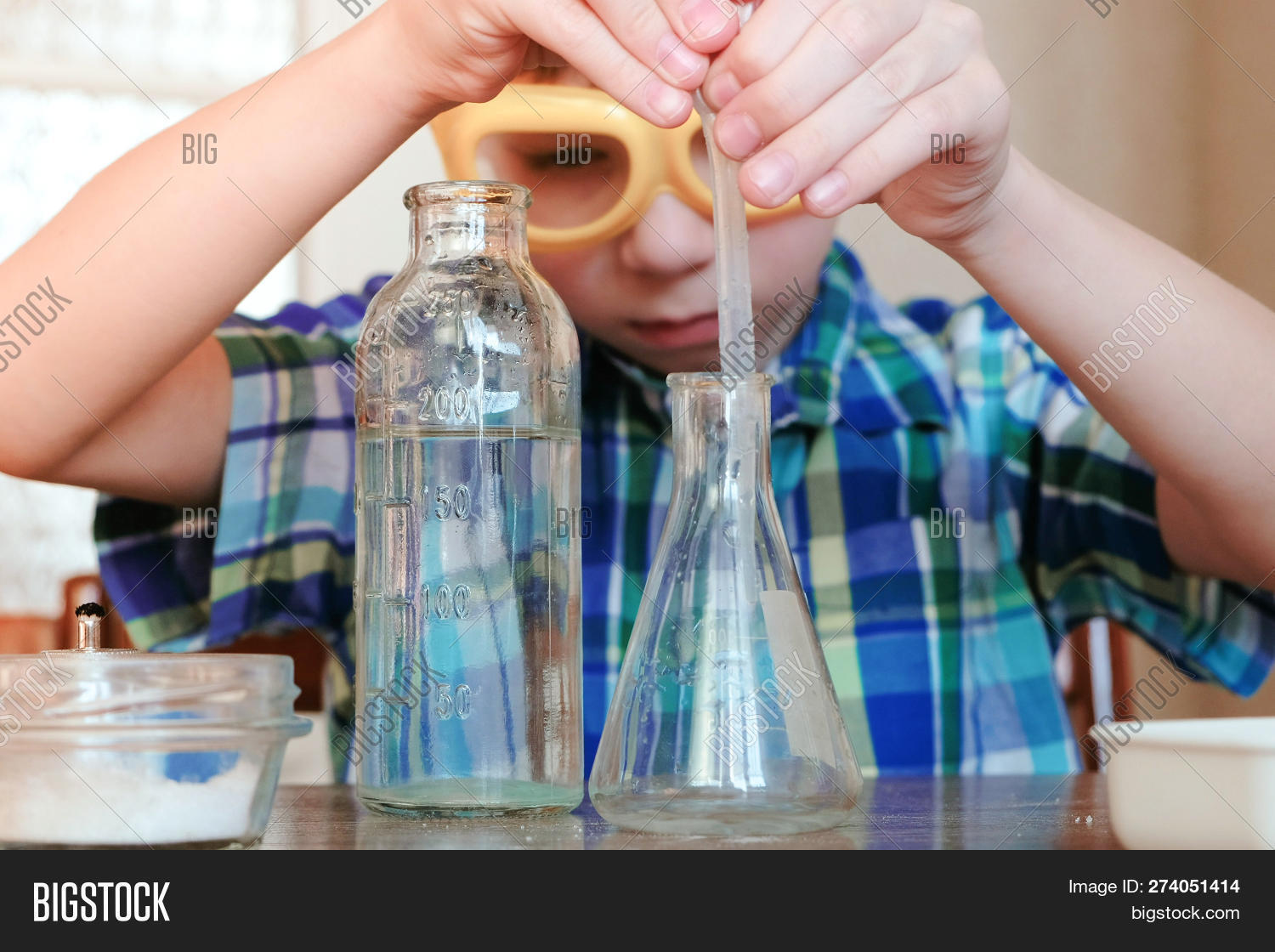 Chemistry Experiments Image & Photo (Free Trial) | Bigstock