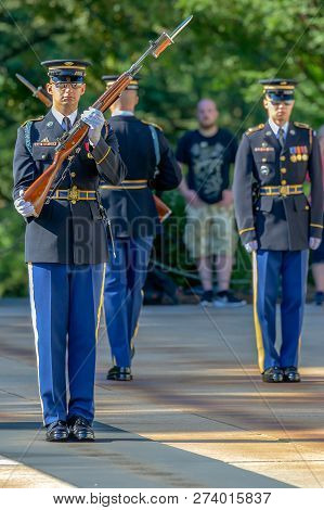 Arlington, Washington Dc, Usa - September 6, 2018 : Changing Of The Guard At The Tomb Of The Unknown