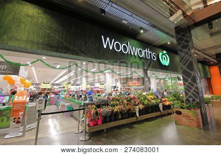 Melbourne Australia - November 28, 2018: Unidentified People Visit Woolworths Supermarket In Melbour