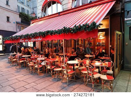 Paris, France-december 12 , 2018 : Le Bar Du Marche Decorated For Christmas. It Is One Of The Finest