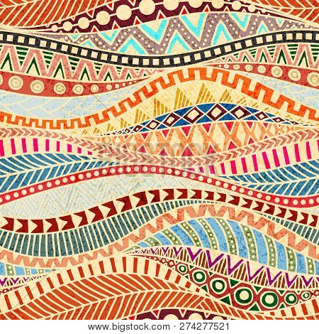 Seamless Wavy Pattern. Ethnic And Tribal Motifs. Colorful African Print For Textiles. Grunge Texture