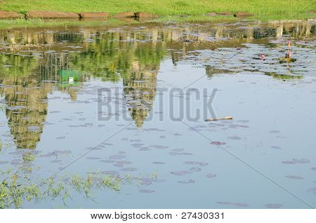 Reflexion der Angkor Watt (Cambodia)