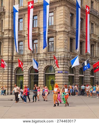 Zurich, Switzerland - August 2, 2014: People On Paradeplatz Square On The Day Of The Street Parade.