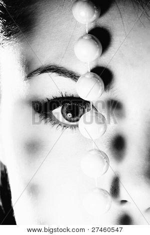 Крупным планом глаза женщина