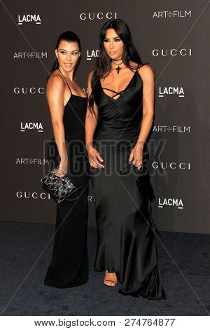 LOS ANGELES - NOV 3:  Kourtney Kardashian, Kim Kardashian at the 2018 LACMA: Art and Film Gala at the Los Angeles County Musem of Art on November 3, 2018 in Los Angeles, CA