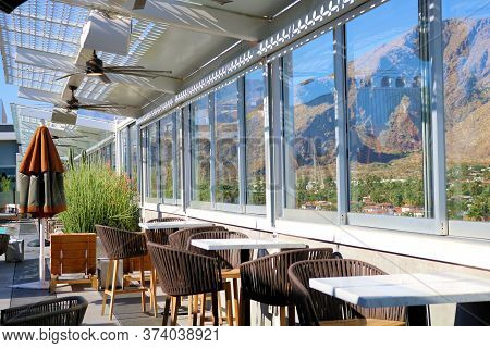 June 22, 2020 In Palm Springs, Ca:  Outdoor Rooftop Patio Seating At A Café And Bar Overlooking The