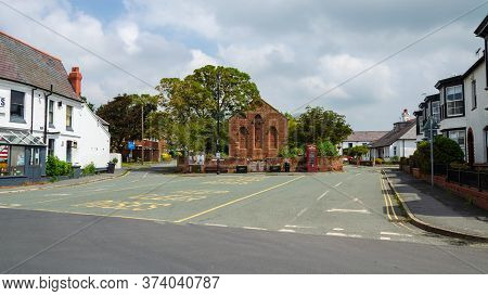 Parkgate, Wirral, Uk: Jun 17, 2020: A General Street Scene View Of Parkgate Which Is Beside The Rive