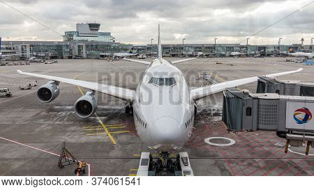 Frankfurt, Germany - January 21 Th, 2018: A Jumbo Jet Boeing 747 Of Lufthansa Airlines At The Jetway