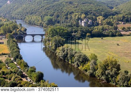 View Of The Valley Of The Dordogne River From Beynac-et-cazenac Castle, Aquitaine, France