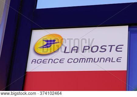 Bordeaux , Aquitaine / France - 05 05 2020 : La Poste Agence Postale Communale Logo Sign Of French C