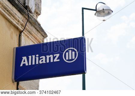Bordeaux , Aquitaine / France - 06 01 2020 : Allianz Insurance Sign Logo On Office Of Financial Serv